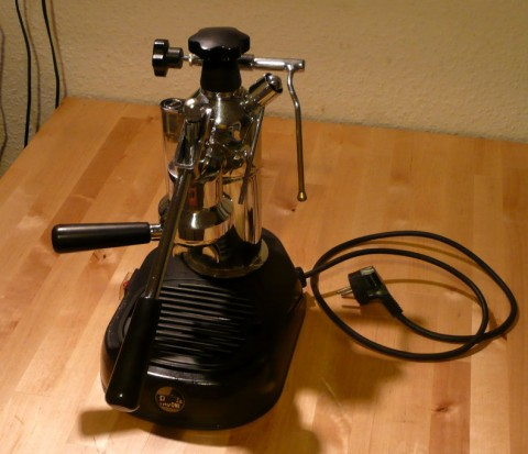 The La Pavoni Europiccola steam-powered permeameter.